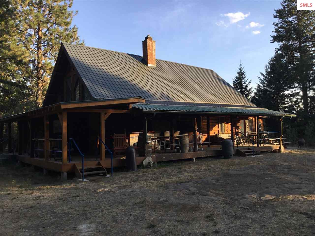 Single Family Home for Sale at 68 SPUR Road 68 SPUR Road Naples, Idaho 83847 United States