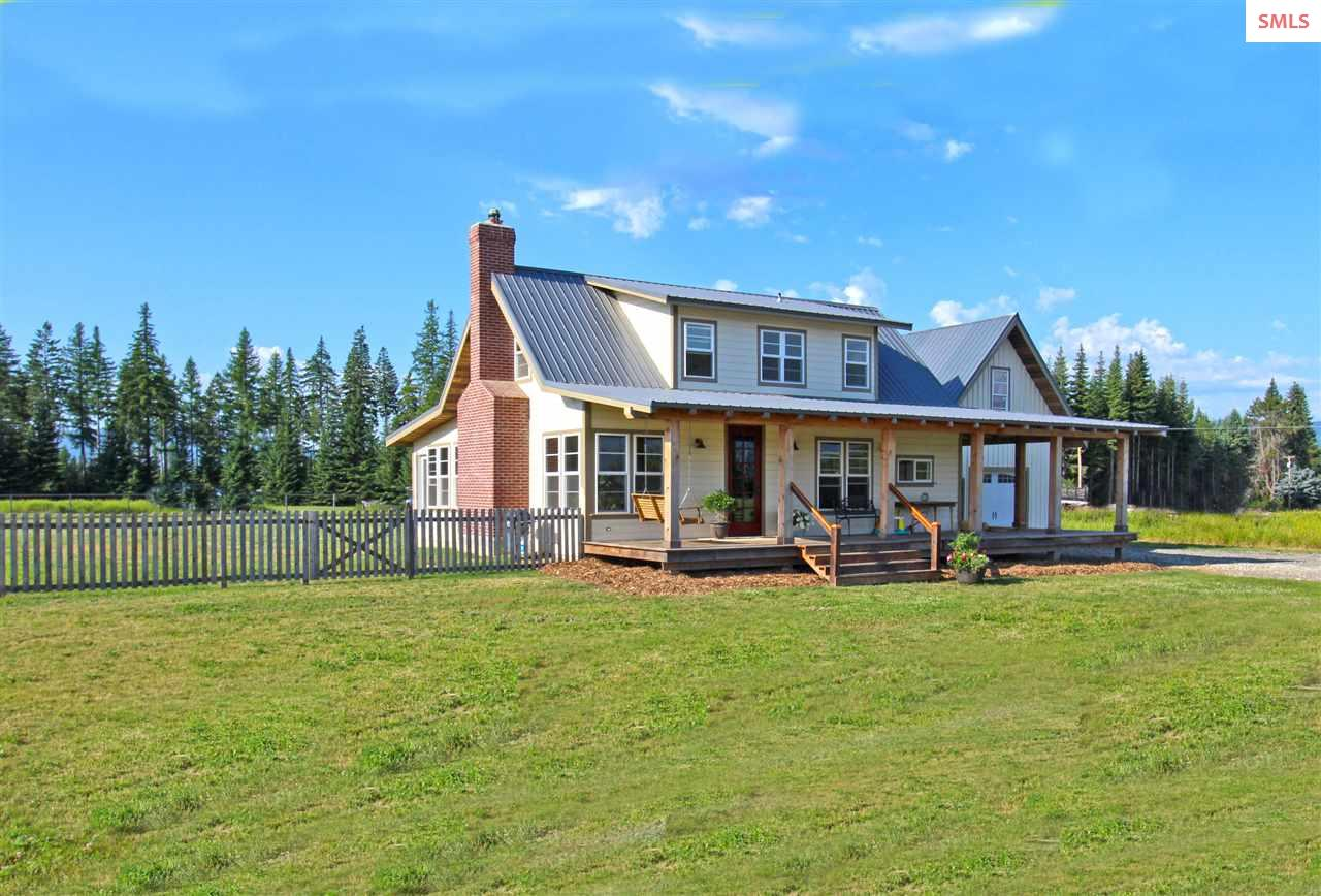 Single Family Home for Sale at 1795 Pleasant Valley Loop 1795 Pleasant Valley Loop Naples, Idaho 83847 United States