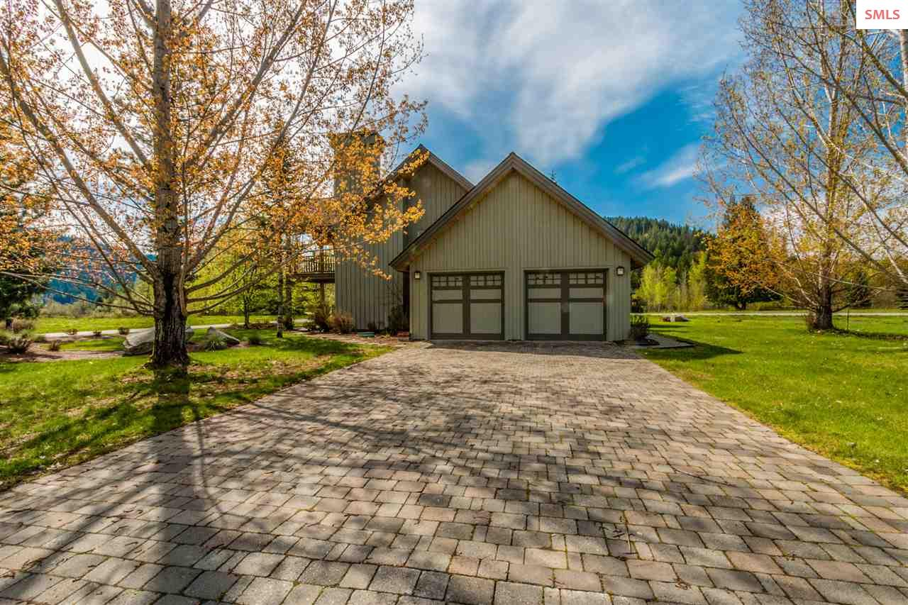 Single Family Home for Sale at 20 Gracie Lane 20 Gracie Lane Sandpoint, Idaho 83864 United States