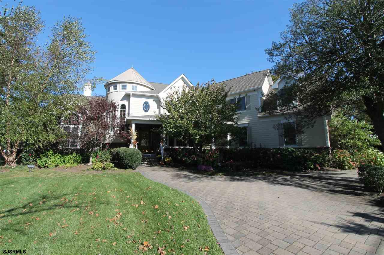 2 Country Club Dr, Linwood, NJ 08221
