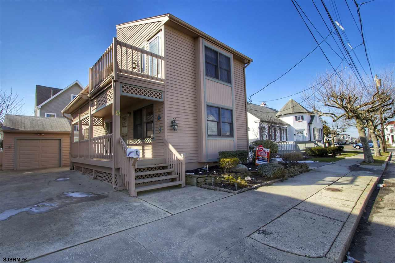 4 S Iroquois Ave, Margate, NJ 08402
