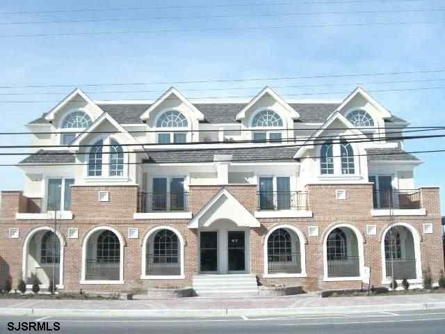 7815 Atlantic Ave Ave, Margate, NJ 08402