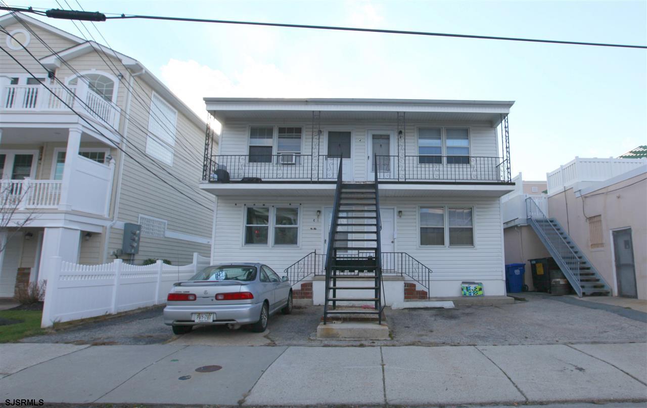 4 S Monroe Ave, Margate, NJ 08402