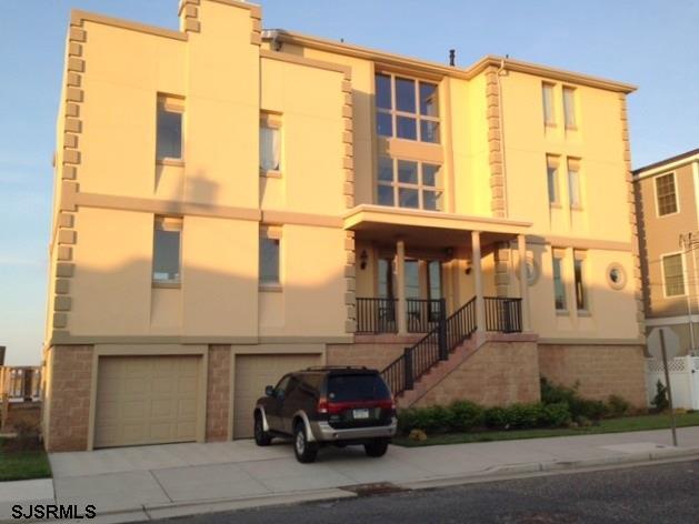 141 N Surrey Ave