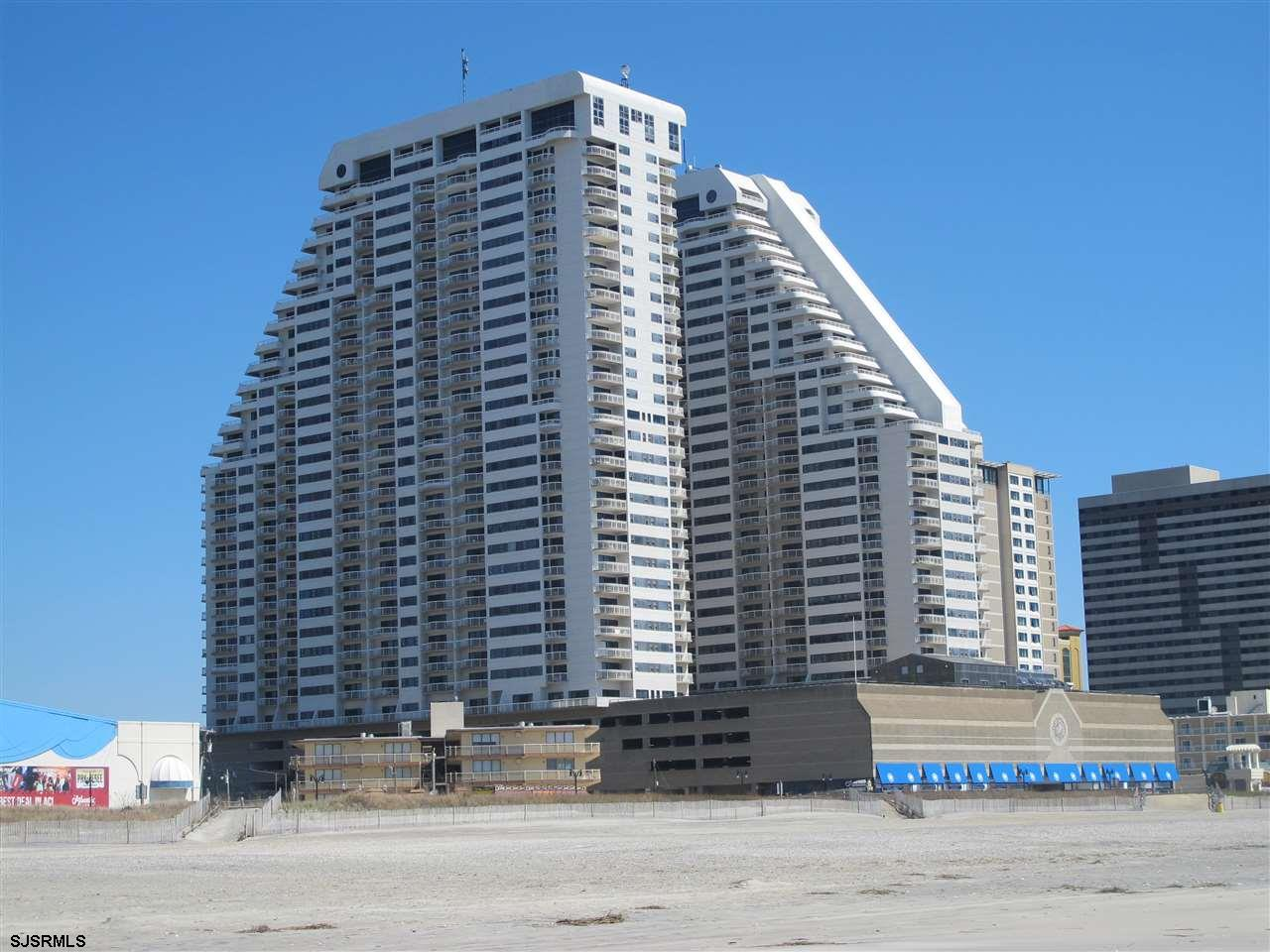 3101 Boardwalk 2305