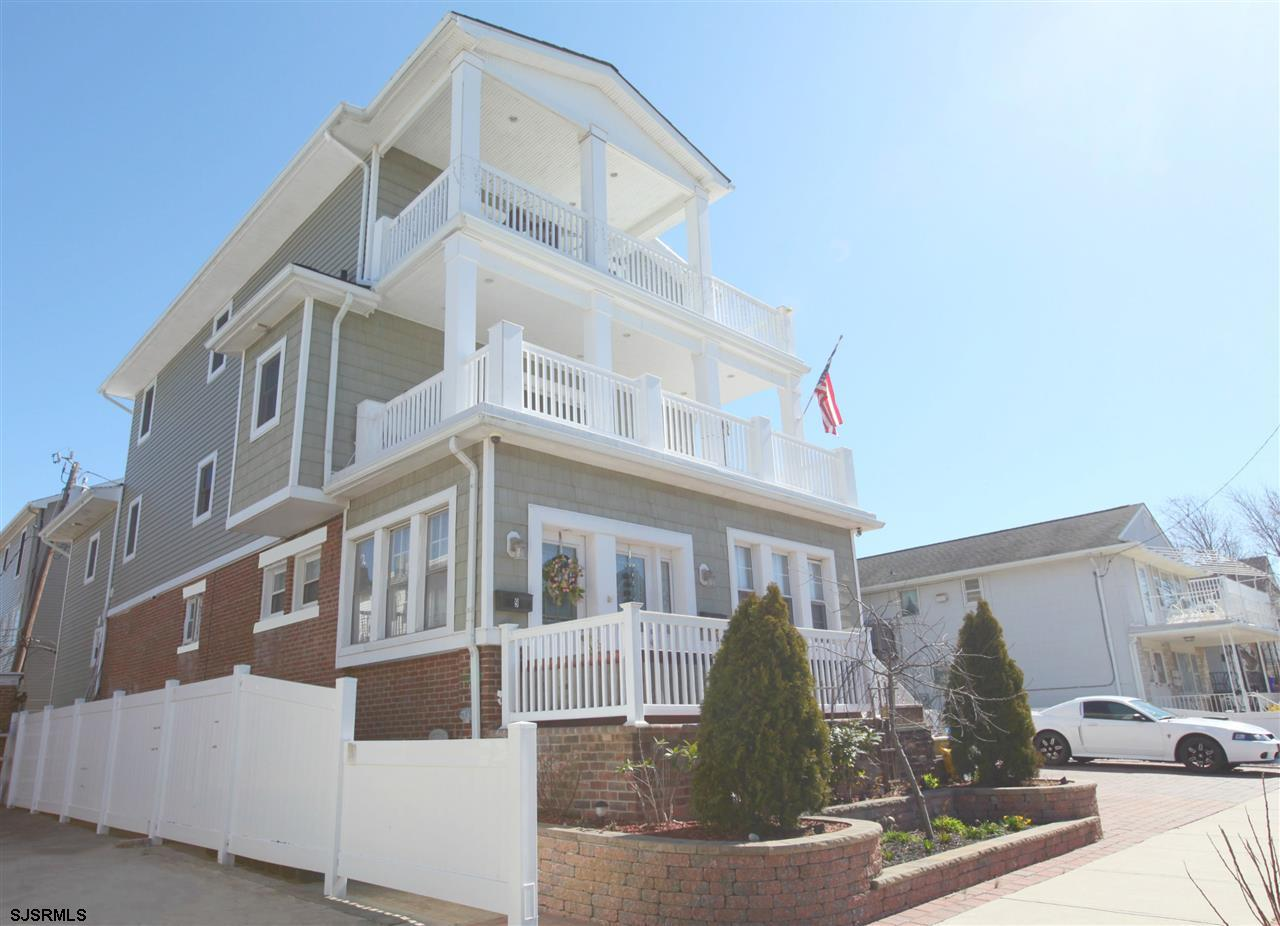 9 S Troy Ave, Ventnor, NJ 08406