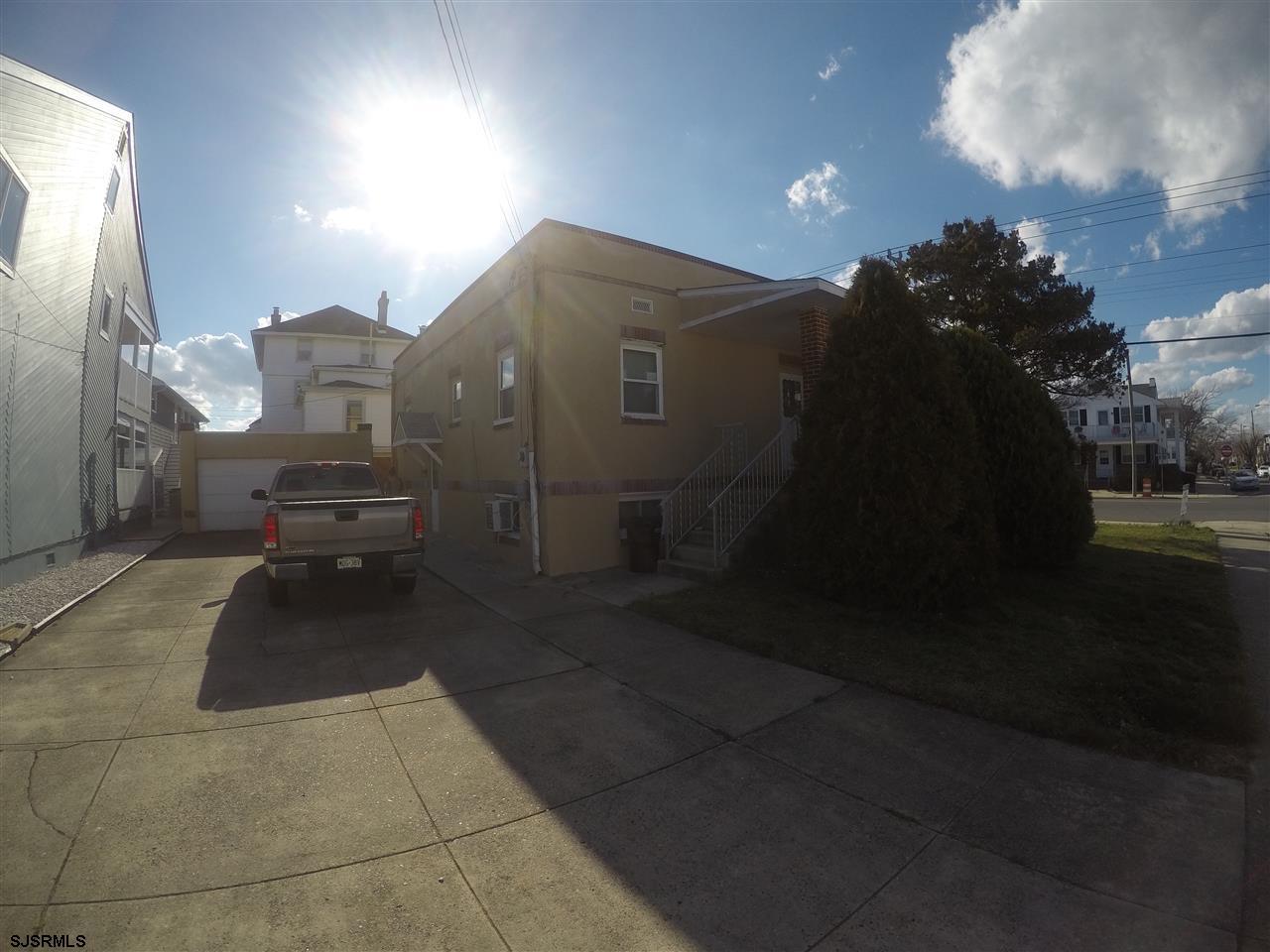 6900 Ventnor Ave, Ventnor, NJ 08406