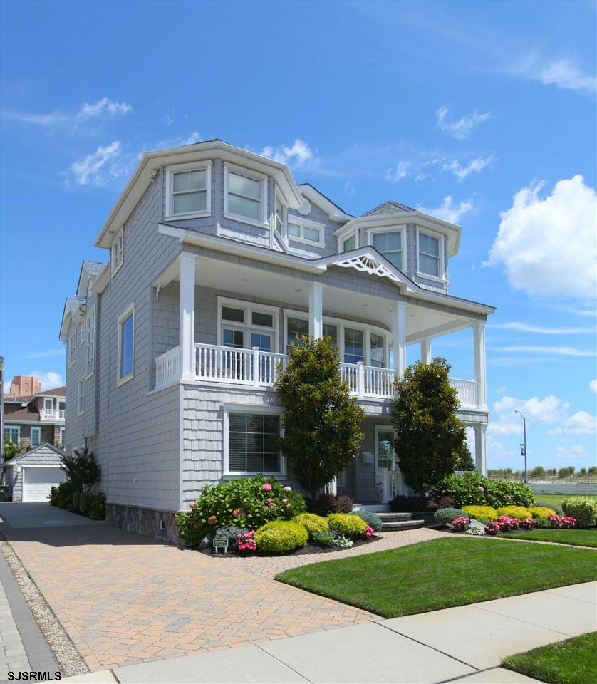 111 S Derby Ave, Ventnor, NJ 08406
