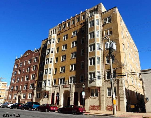 37 S Iowa Ave, Atlantic City, NJ 08401