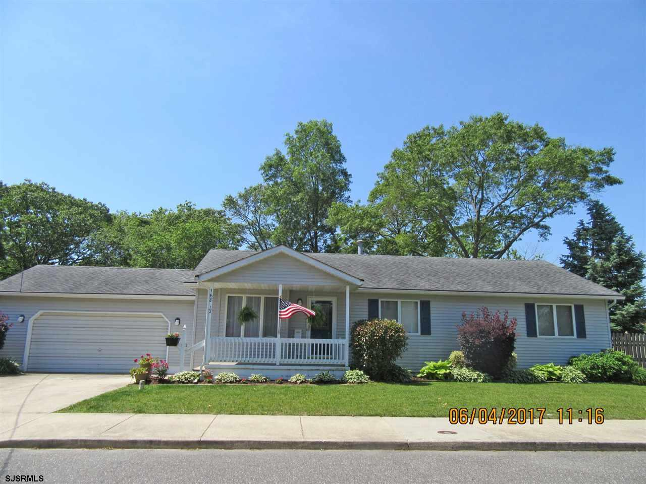 168 1/2 W Pierson Ave, Somers Point, NJ 08244