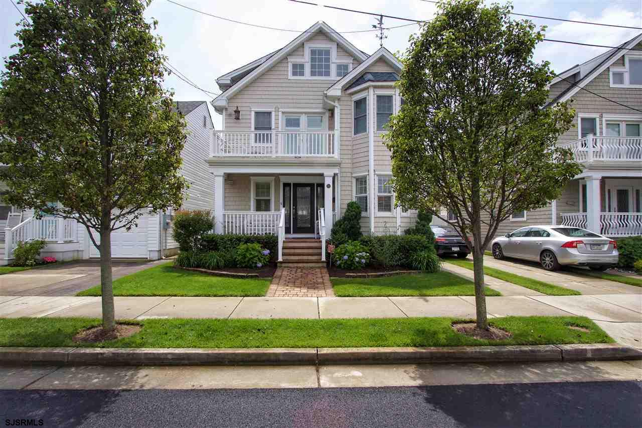 16 N Brunswick Ave, Margate, NJ 08402