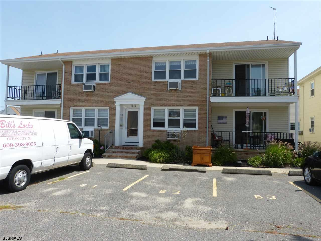 1752 Simpson Ave, Ocean City, NJ 08226