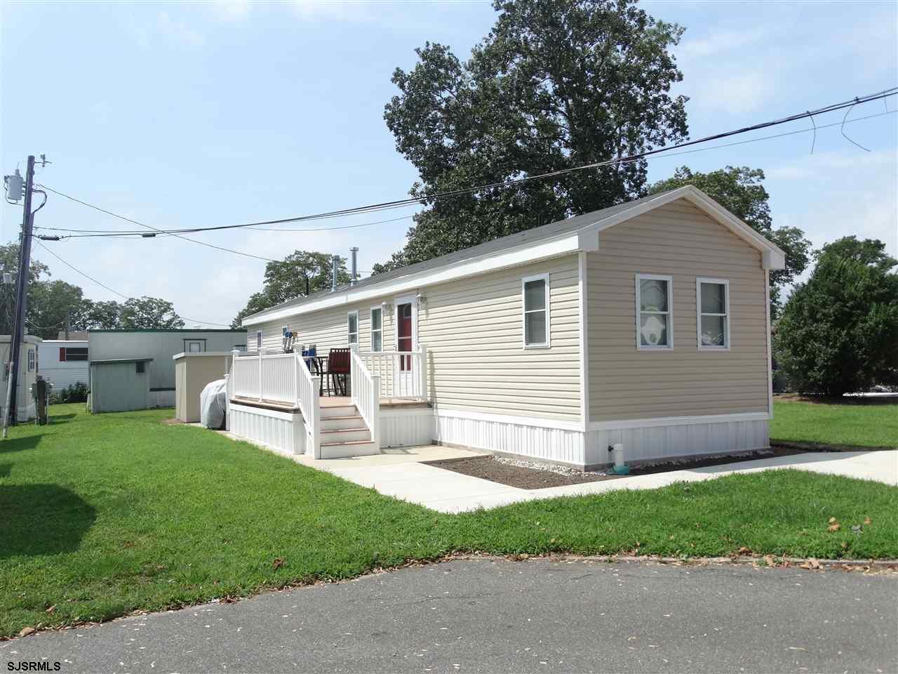4 Lisa Ln, Egg Harbor Township, NJ 08234