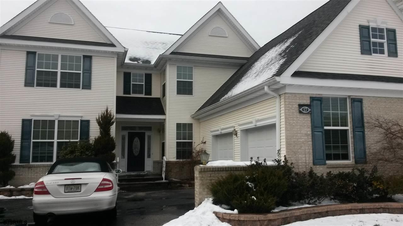 17 White Oak Dr, Egg Harbor Township, NJ 08234