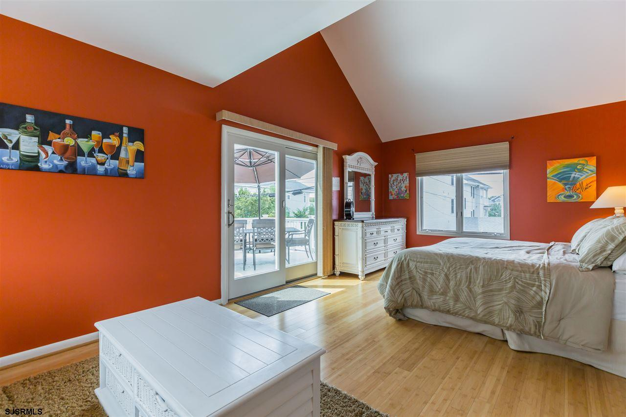 710 First Street - Picture 16
