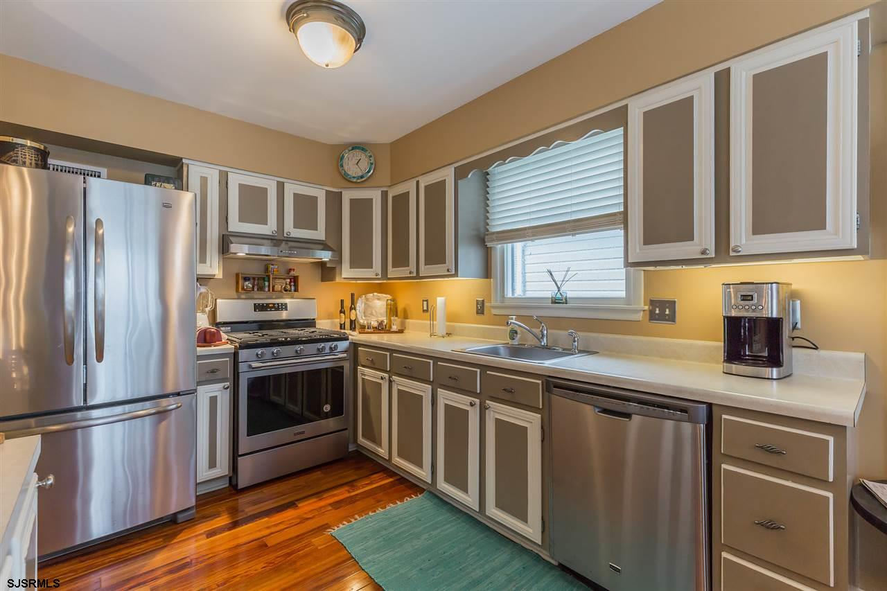 343 W 17th Street - Picture 8
