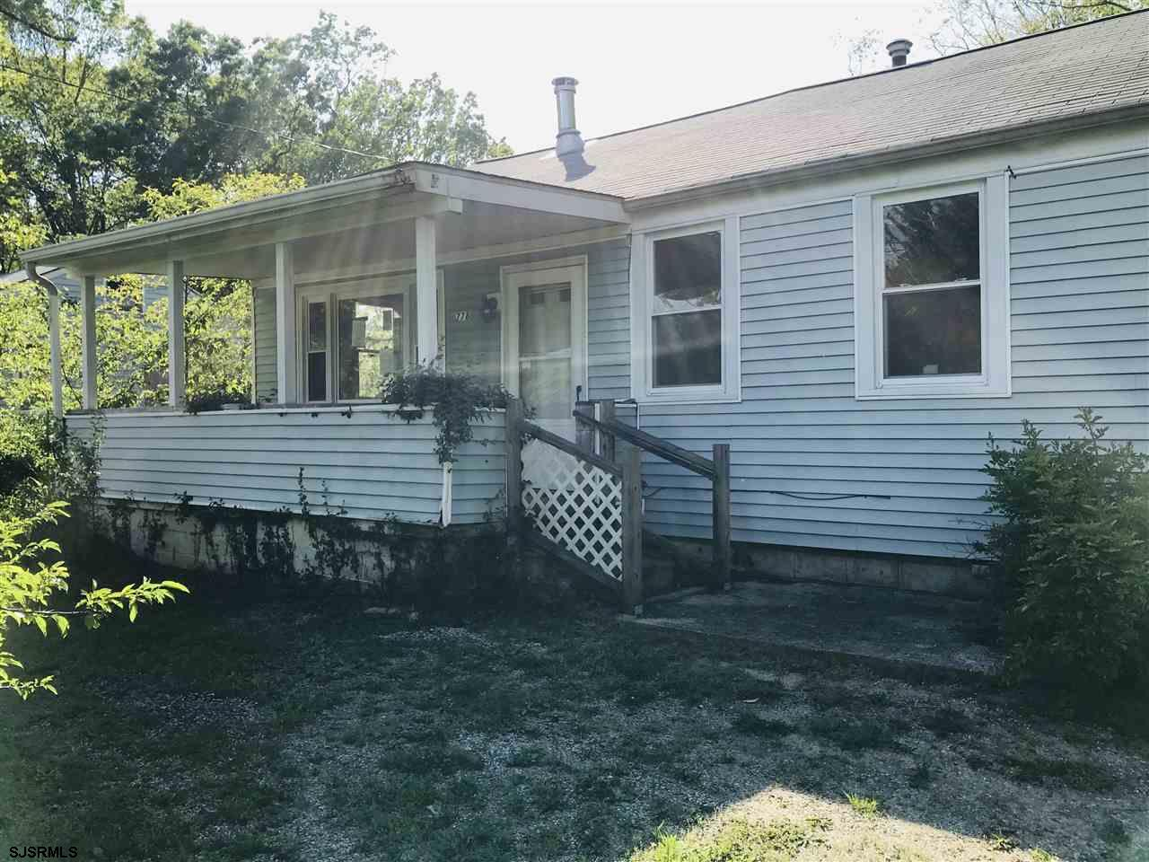 Cheaper than rent! Make your move to this 2 bedroom bungalow. Perfect starter home or for someone lo
