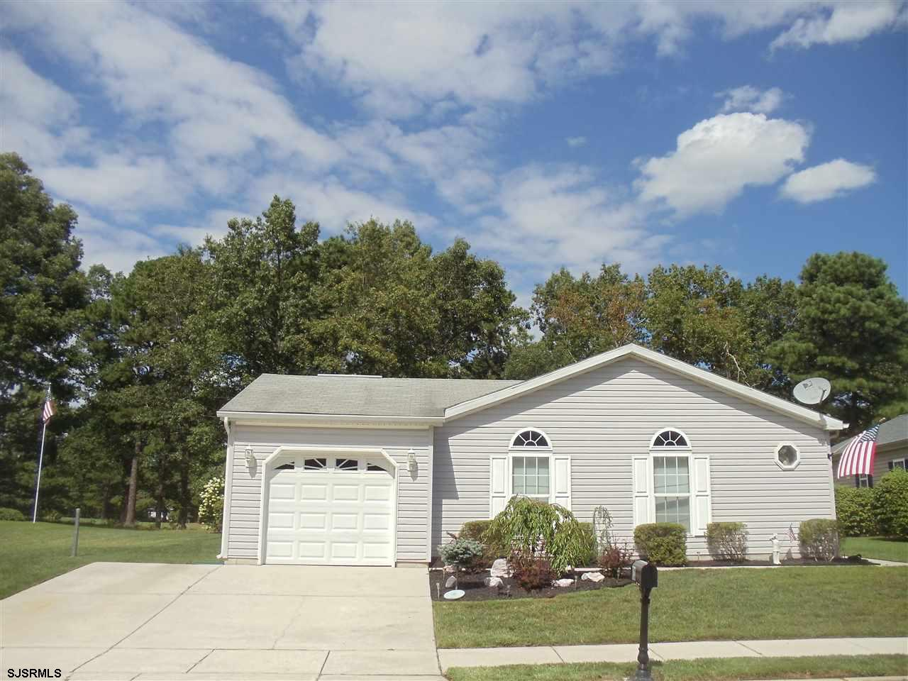 ABSOLUTELY MAGNIFICENT!! ST.ANDREWS MODEL,WITH 1 CAR ATTACHED GARAGE, ORIGINAL OWNERS WHO ADDED OVER $38,000 WORTH OF UPGRADES.OPEN FLOOR PLAN.NEWER APPLIANCES,KITCHEN FLR,LAUNDRY RM FLR. MASTER BEDROOM HAS CATHEDRAL CEILINGS AND PRIVATE BATH W/DOUBLE SINKS,TUB AND SEP. SHOWER. NEWER BEAUTIFUL GRANITE COUNTER TOPS IN KIT.MARBLE GAS F/P IN L/R.HUGE LAUNDRY ROOM W/CABINETS AND SINK. FABULOUS HUGE PATIO WITH FIRE PIT AND NEWER AWNING. AWESOME VIEW LOCATED ON THE GOLF COURSE. EASY TO SHOW AND SELL, SHOWS LIKE A MODEL HOME!! THE FAIRWAYS 55+COMMUNITY,WITH BEAUTIFUL AMENITIES  CLUBHOUSE,INDOOR POOL,LIBRARY,GYM