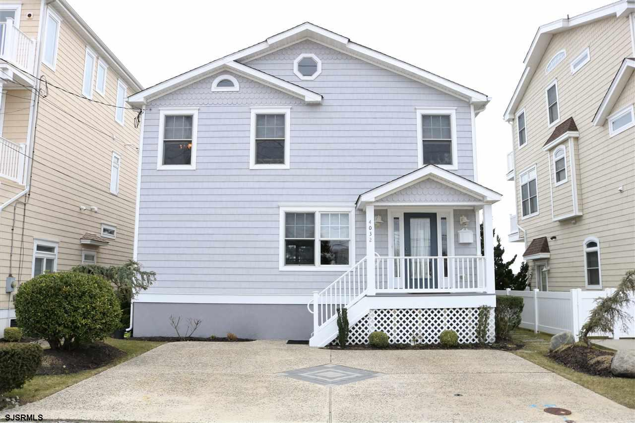 $2,500 BONUS with ACCEPTABLE OFFER. This is one of the best deals in Brigantine! Seller is motivated and wants to sell! Have you been looking for the PERFECT SUMMER GETAWAY? Here it is, or maybe you would love to enjoy water views year round. Home is in very nice cond. with Hardwood floors and tile throughout the first floor, great open floor plan featuring a dining room, sunken family room with fireplace and gorgeous views of the water. EIK with 42 inch cabinets, granite, center island and SS appliances. TWO decks to enjoy the direct water views, one off the kitchen and one off the Master suite. 1st floor laundry which includes the half bath. Open staircase leads to the 4 bedrooms. Master suite with attached master bath which has beautiful