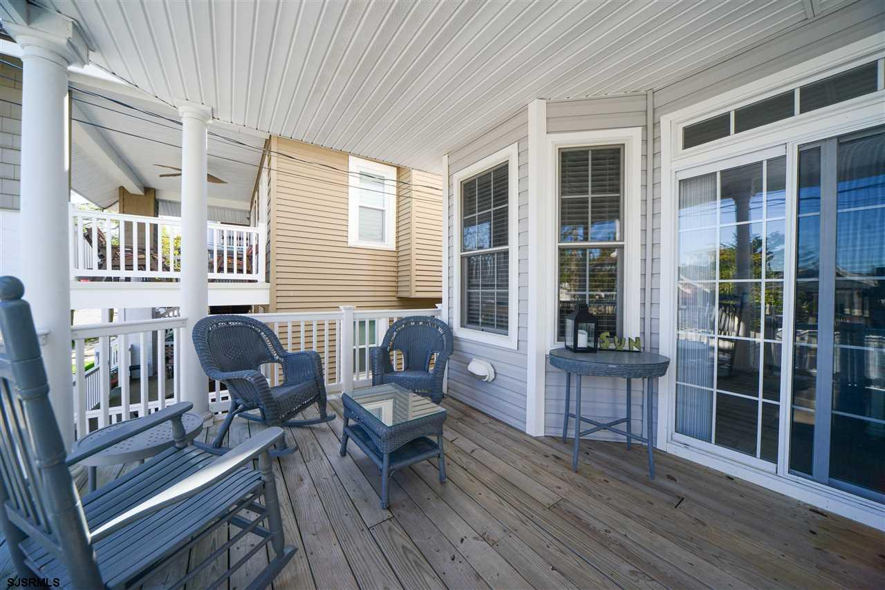 812 1st Street - Picture 2