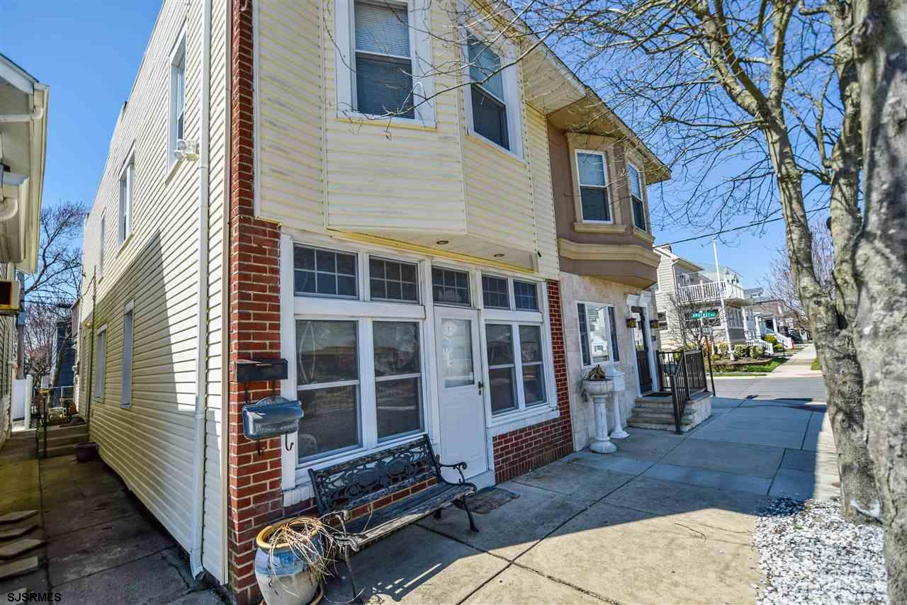 Move right in and hang your hat at this adorable shore getaway in Margate! This first floor, one bed