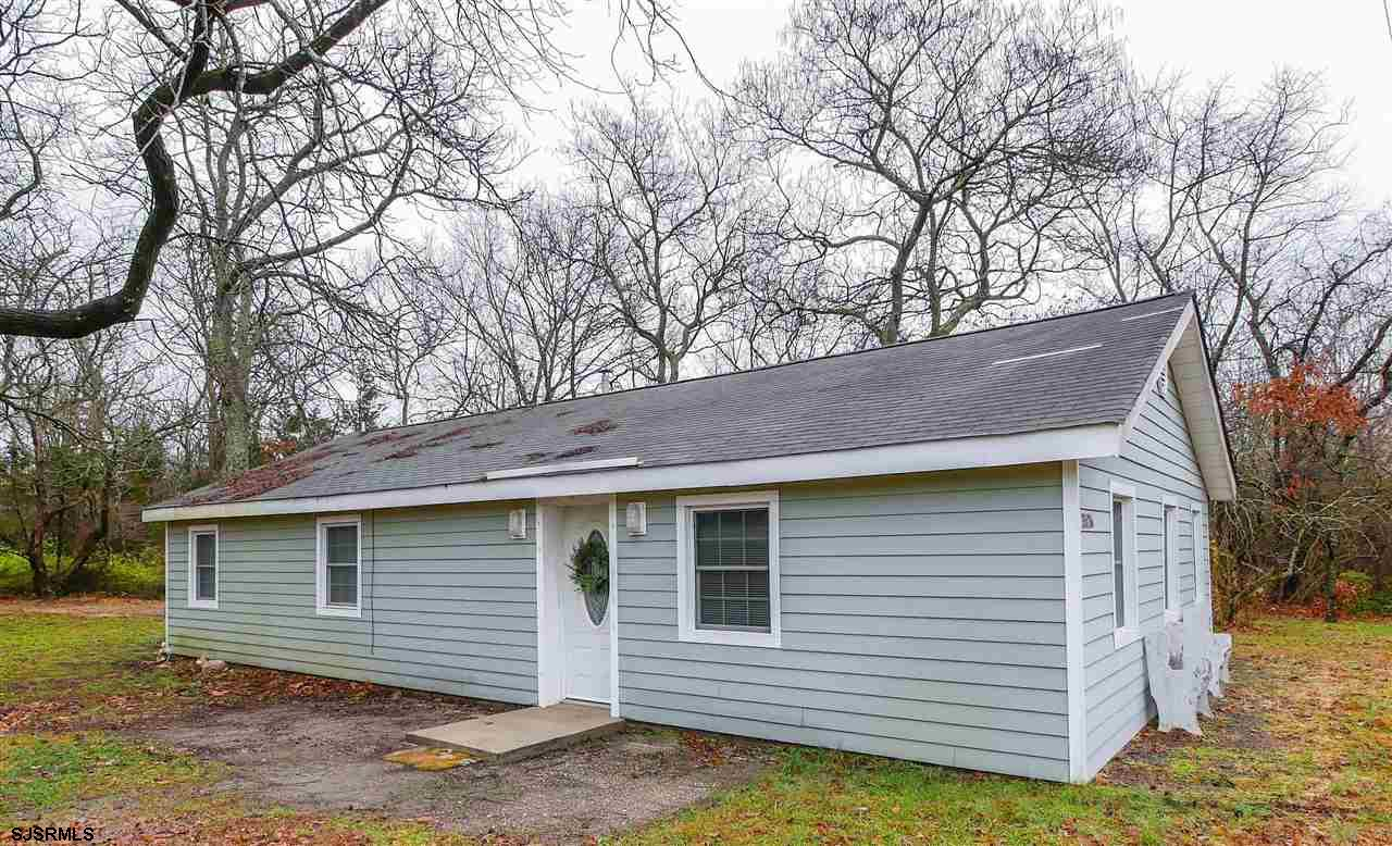 Adorable and meticulously maintained! Located in the desirable Nesco area of Mullica Township, this