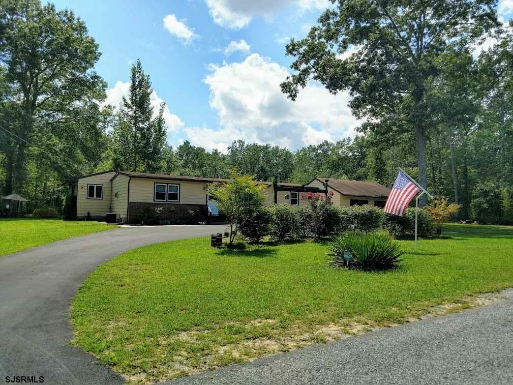 Come see this country style beauty on 1 +/-ac park like setting! This 3br 2full bath home has everyt