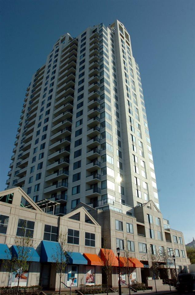 Beautiful 2 Br 2 BA furnished condo in great condition over looking the city skylights!! This proper