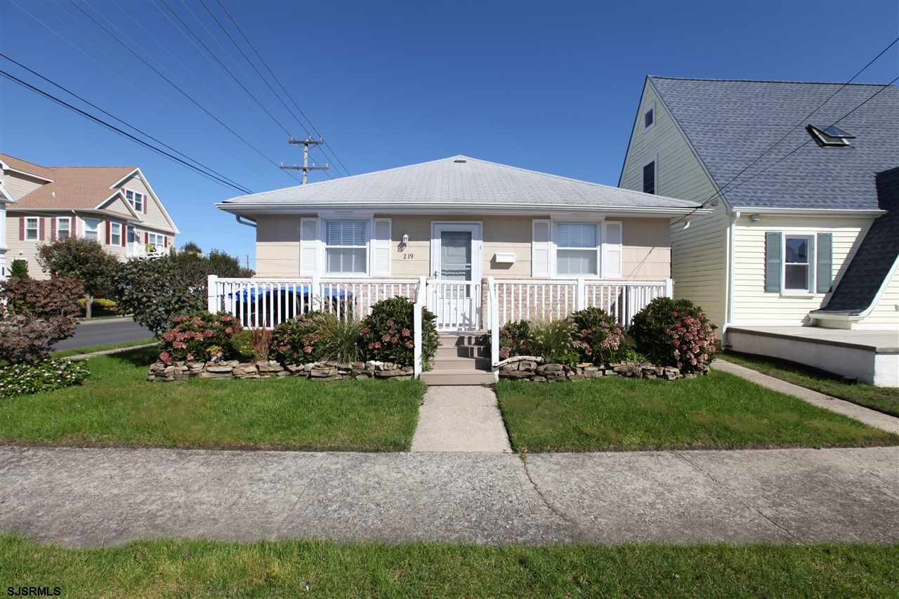 ADORABLE RENOVATED 4 BEDROOM, 2 FULL BATH RANCHER FEATURING A SPACIOUS OPEN LAYOUT! The open living