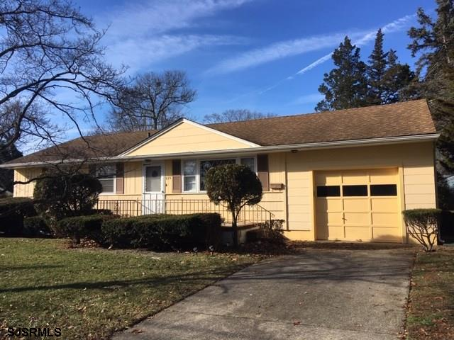 !!! To Settle Estate !!! 3 Br 1 Bath Ranch Home featuring Hardwood Flooring Throughout, Gas Baseboar