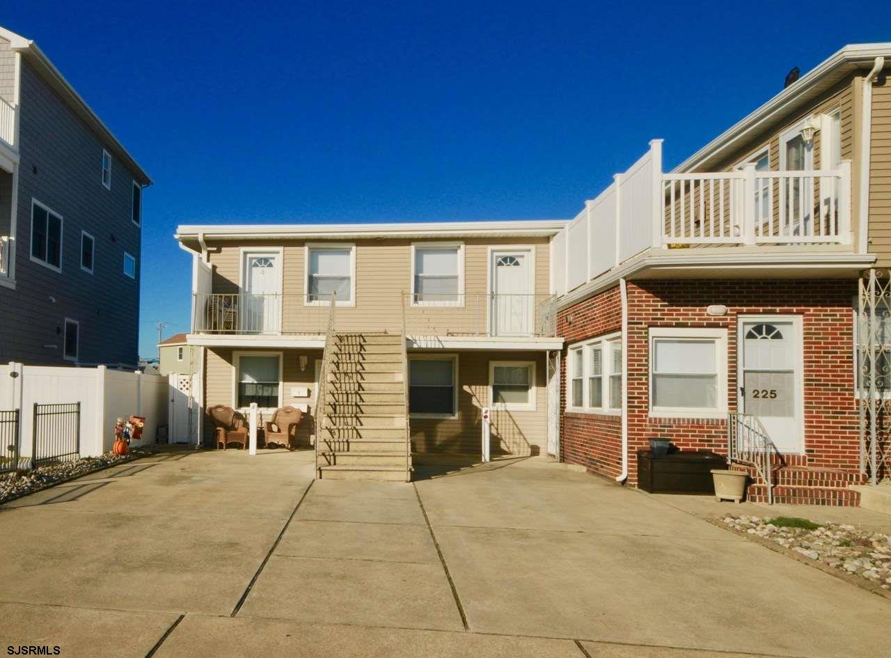 Beach Block Condo - Second floor condo featuring large front deck with ocean views. This is the perf