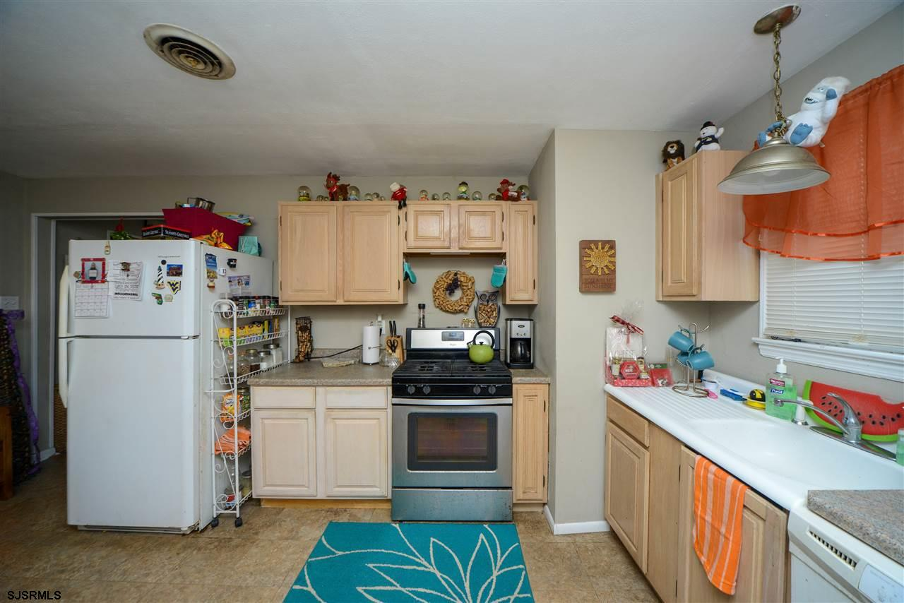 308 Simpson Avenue - Picture 12