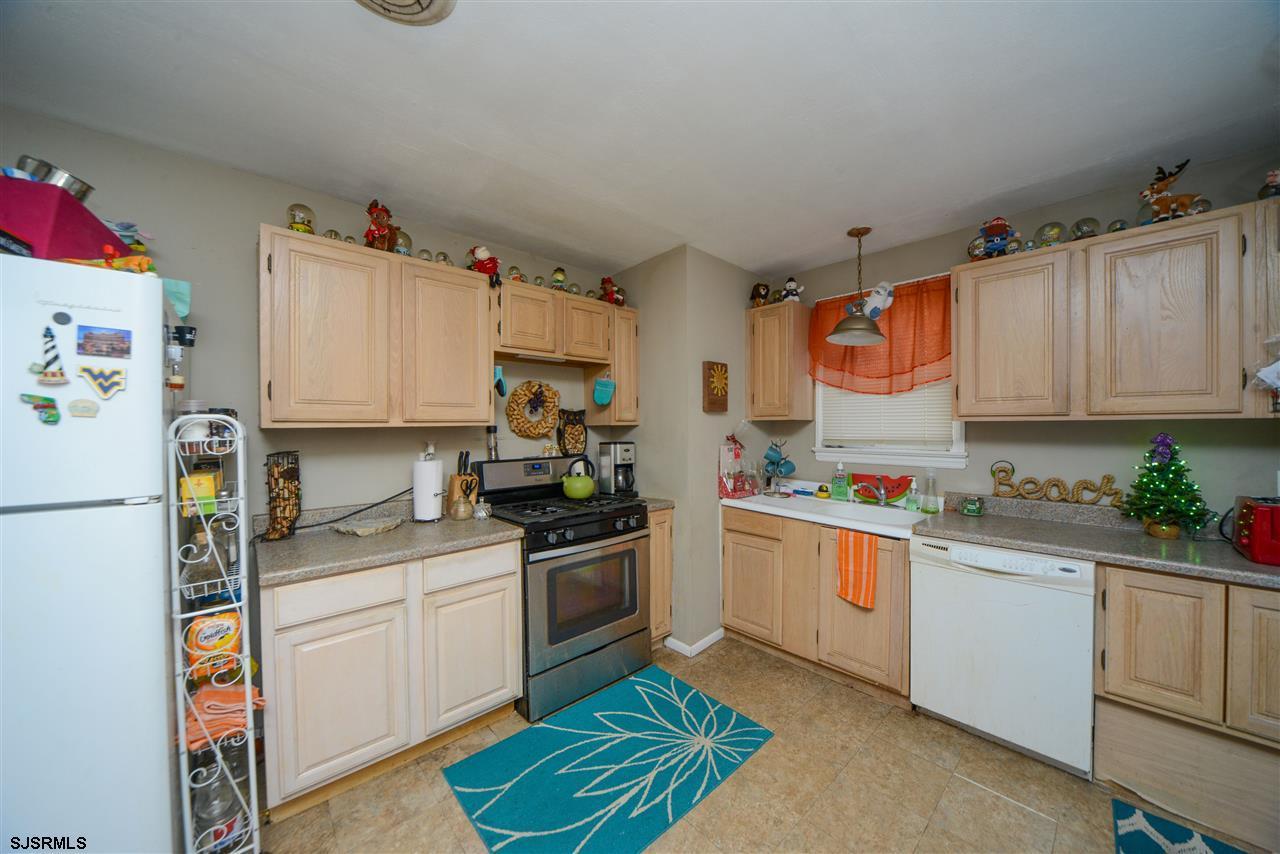 308 Simpson Avenue - Picture 13