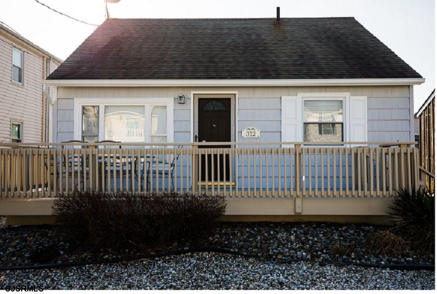 Newly renovated, Beach Block, Cottage!!  Great Locations, just steps from the beach!  Newer:  Kitche