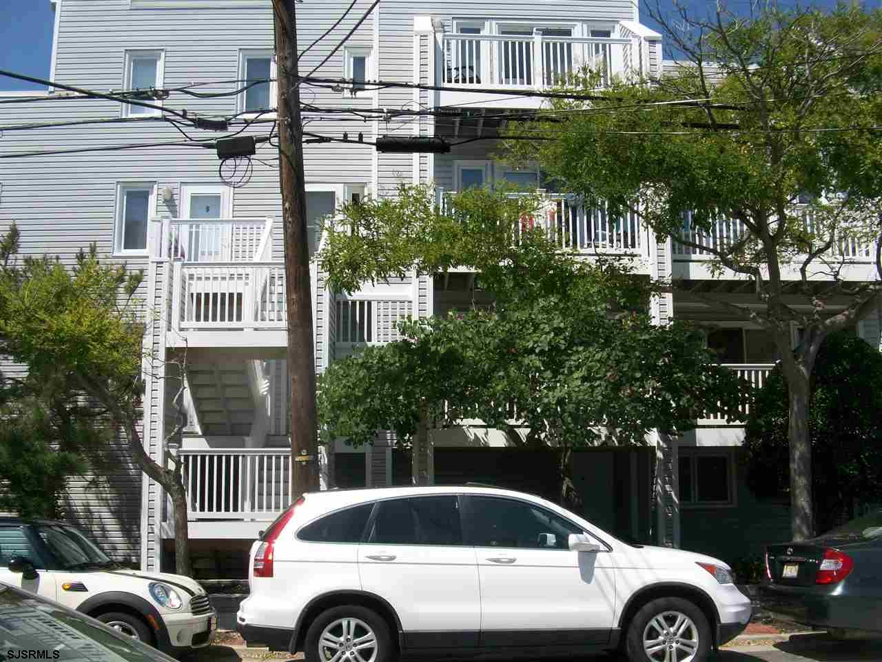 FABULOUS ADAMS HOUSE 1 BEDROOM UNIT.  SPACIOUS.  Enjoy the open layout living room, dining area and