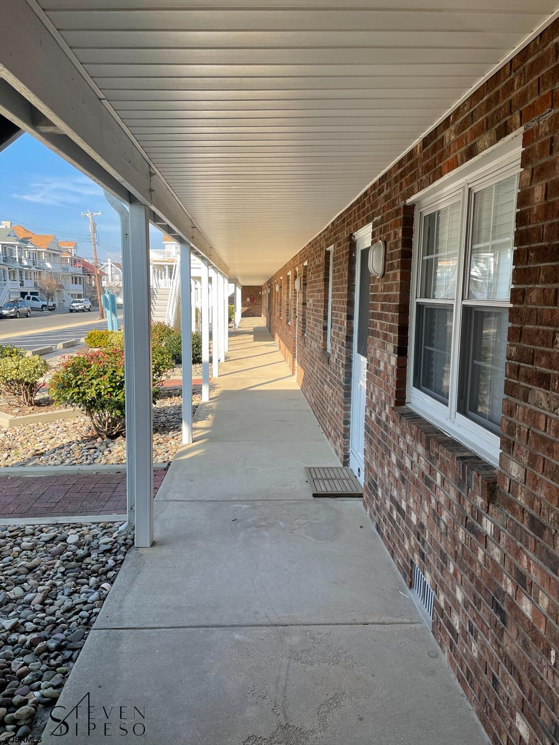 825 Plymouth Pl - Picture 12