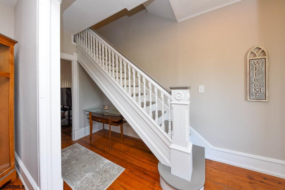 829 Fourth Street - Picture 15