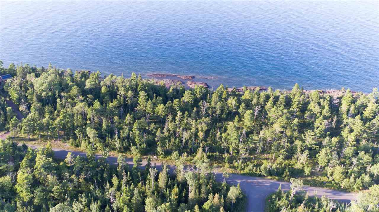 7 Harbor Coast Ln, Copper Harbor, MI 49918