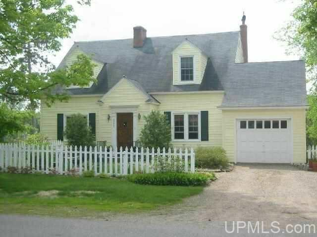425 Spring Ave, Florence, WI 54121