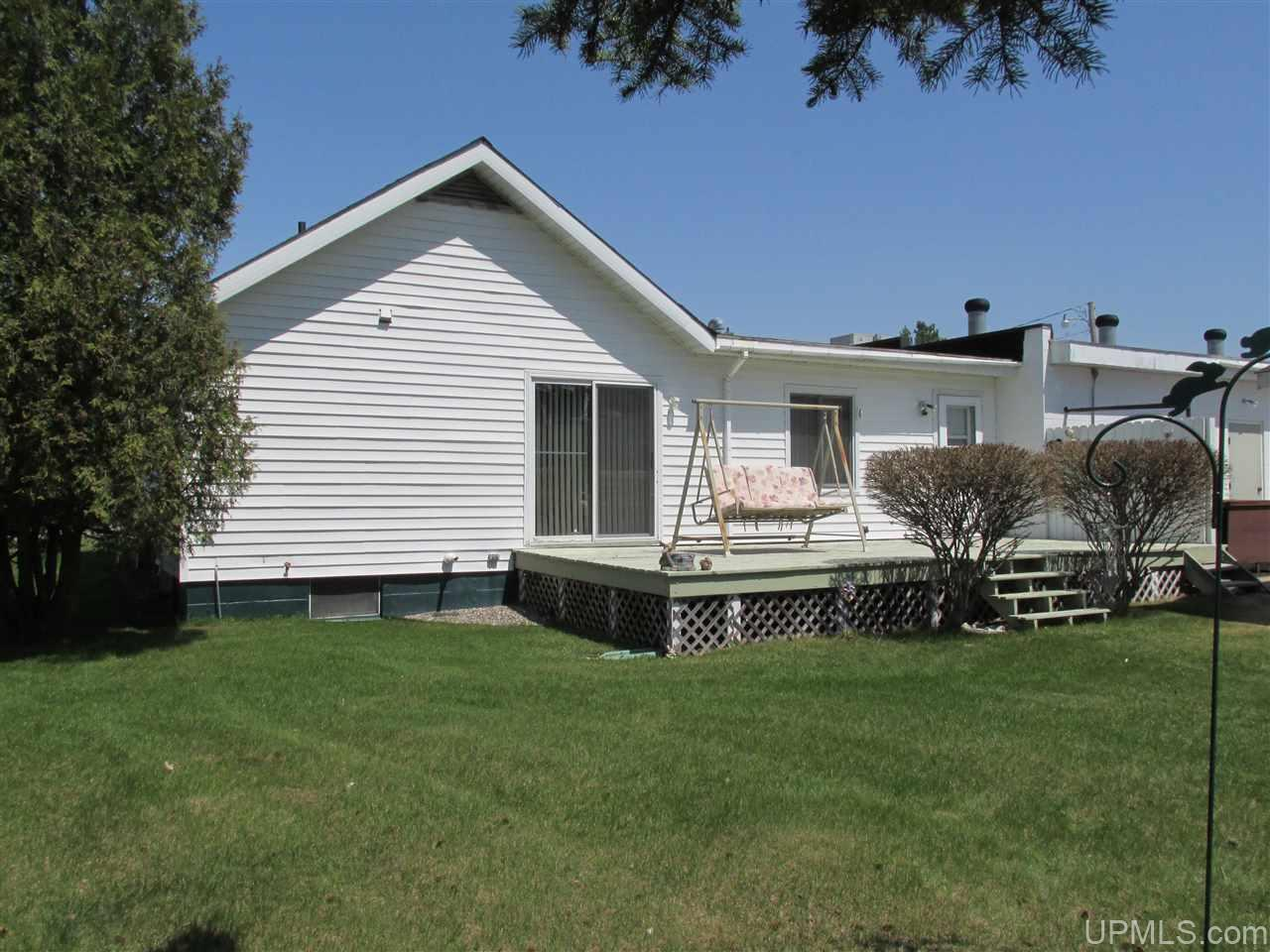 5199 18th Rd, Escanaba, MI 49829