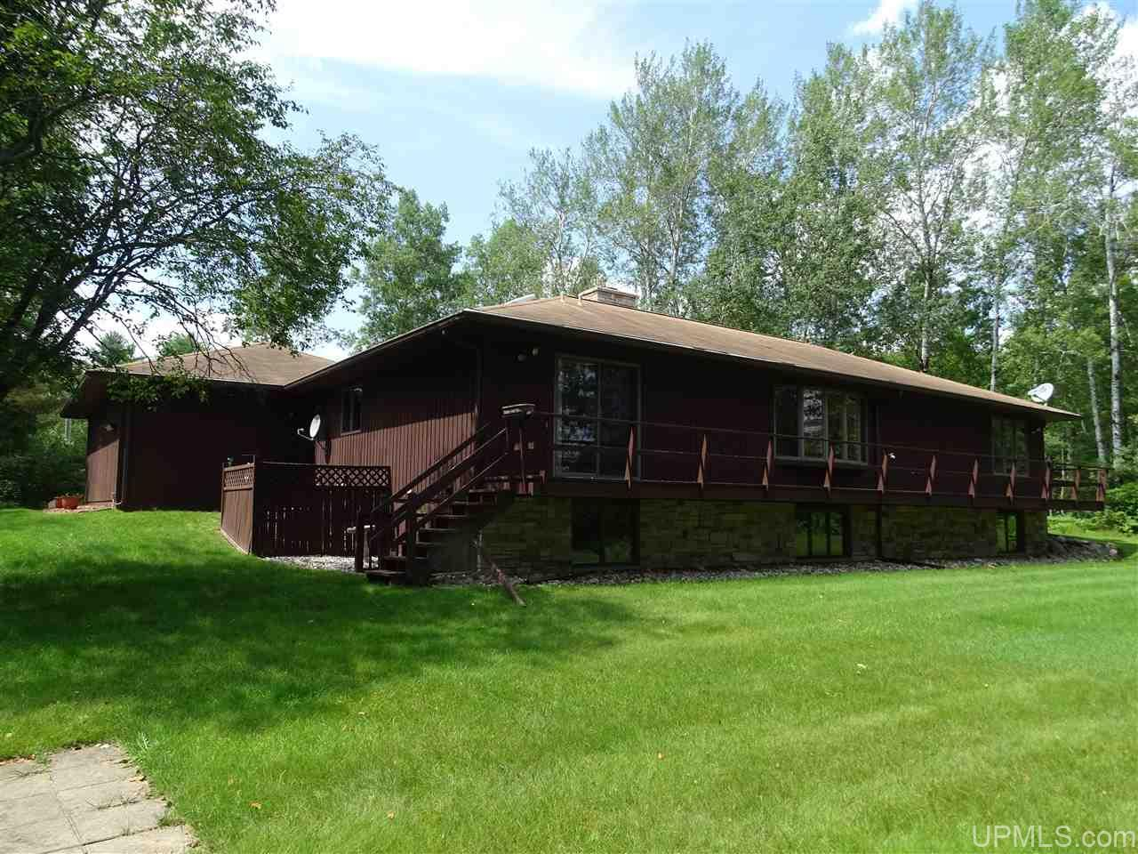 884 Menominee River Rd, Florence, WI 54121