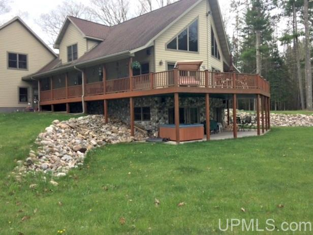 N4173 Co Rd 607, Iron Mountain, MI 49801