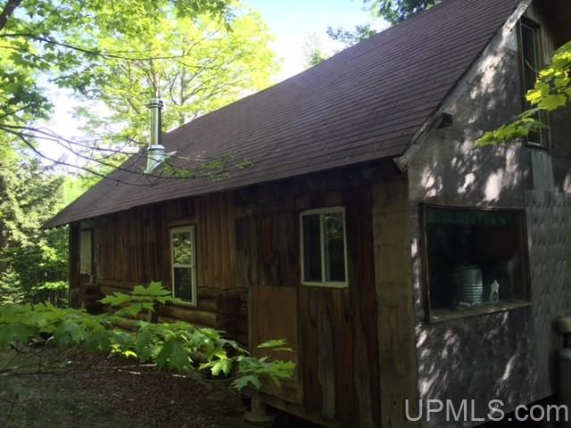 436 Woods Rd, Ishpeming, MI 49849