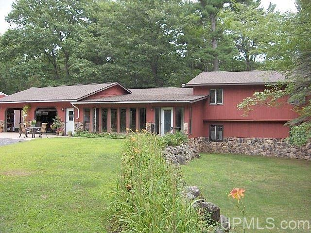1275 Frog Ln, Florence, WI 54121
