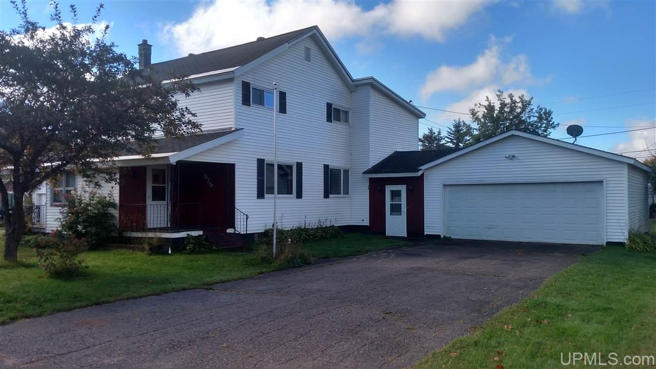 975 Patriot St, Ishpeming, MI 49849