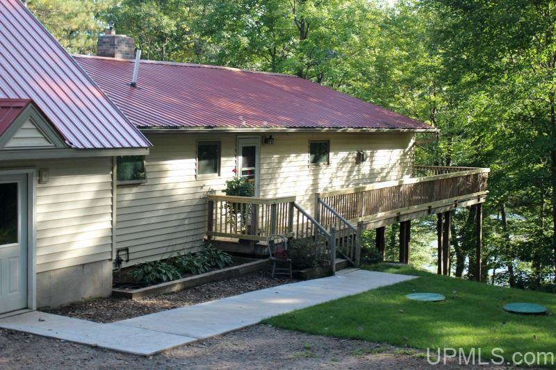 2077 Town Rd L, Florence, WI 54121