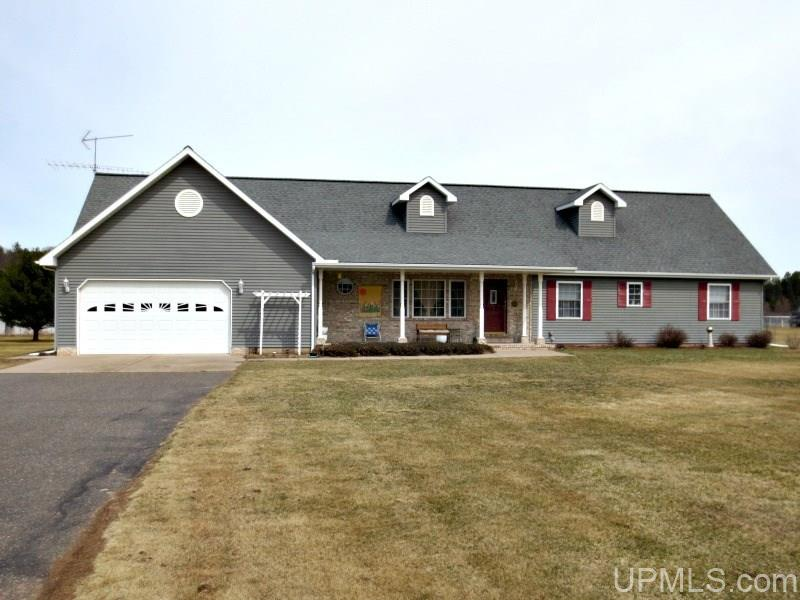 W5708 River Meadows Ln., Norway, MI 49870