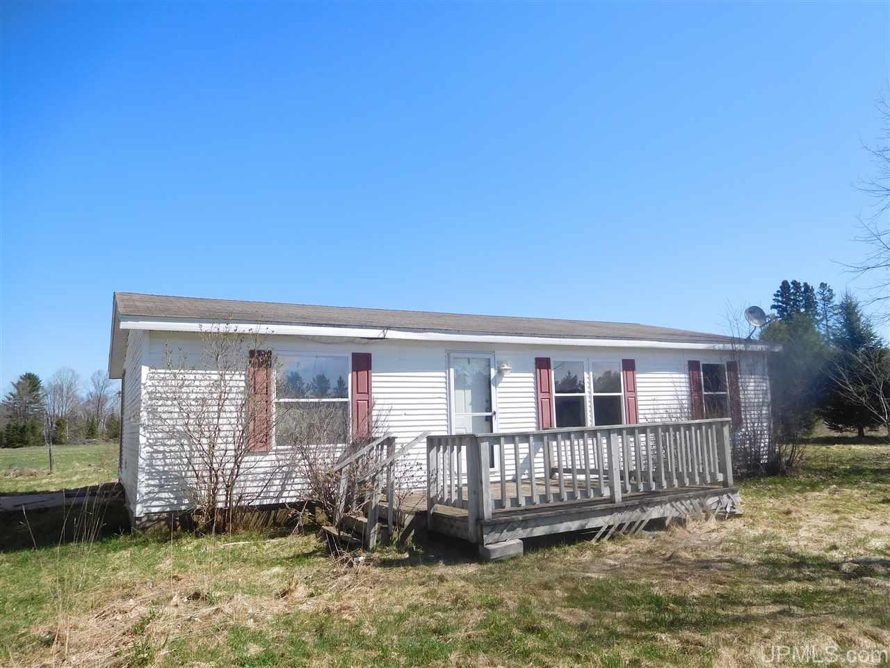 6484 Lunds Rd, Fence, WI 54121
