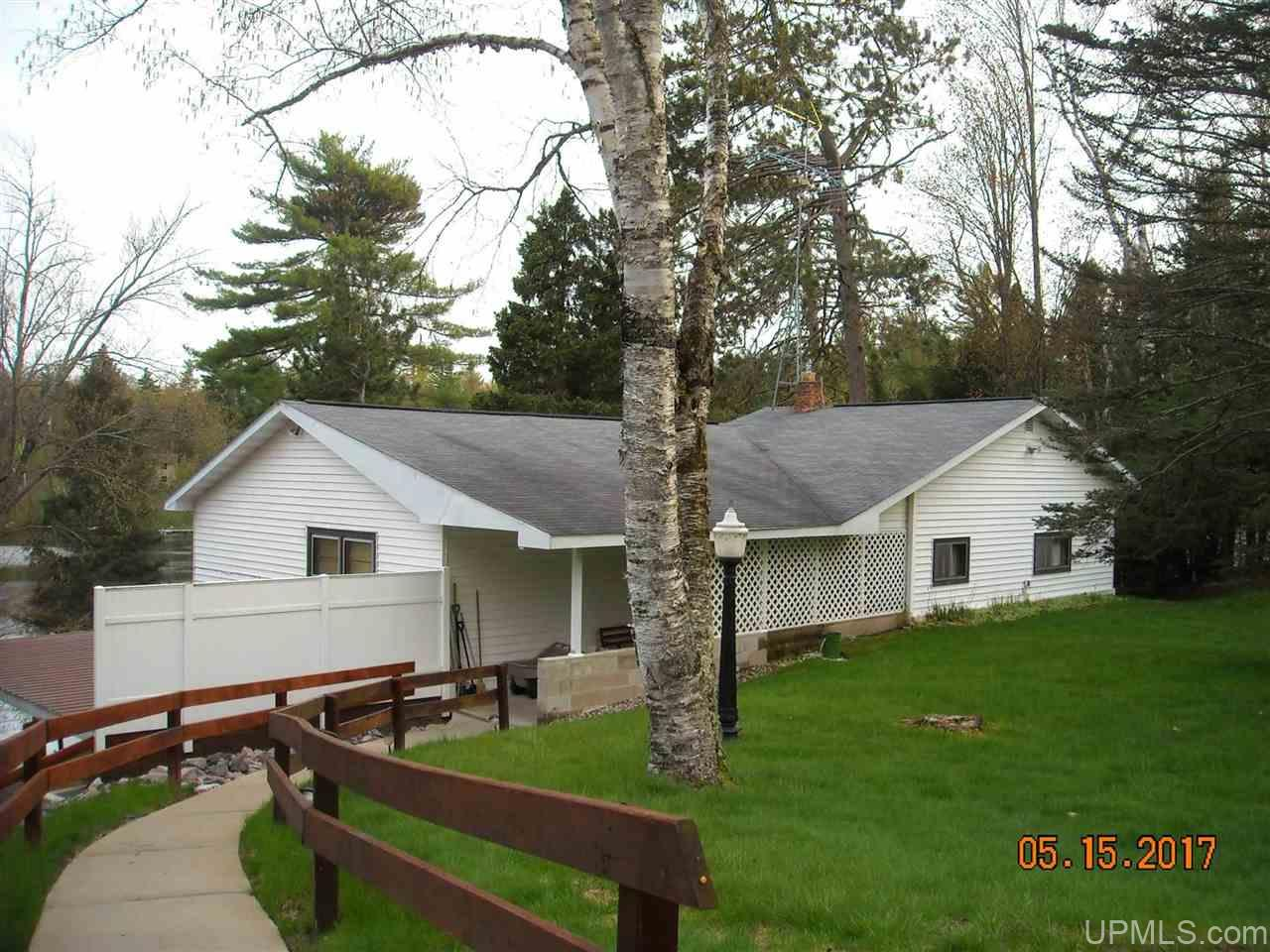 5122 Tall Pines Rd, Florence, WI 54121