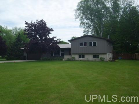 4825 Greenwood 18.12 Dr, Escanaba, MI 49829